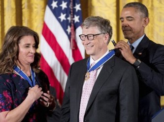 ! Obama Presenting Medal Bill Gates