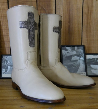Pope Boot Cross