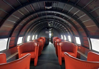 Aviation Retro ! Interior Dining Room Runway 34