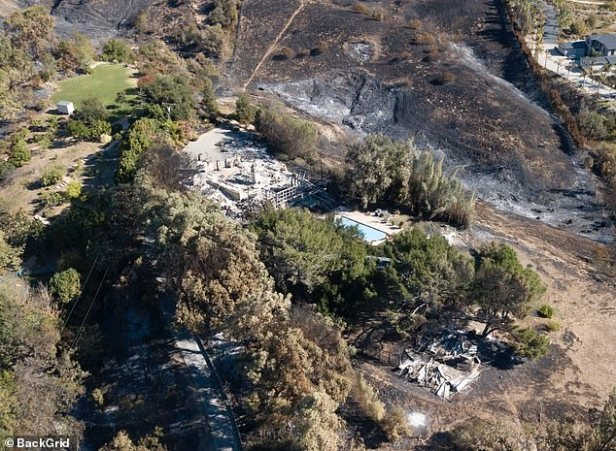 Liam Hemsworth Miley Cyrus' House Trees Not Burned 1