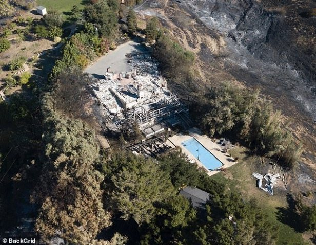 Liam Hemsworth Miley Cyrus' House Trees Not Burned 3