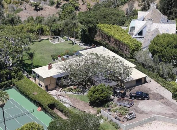 Robin Thicke House Trees Not Burned 3